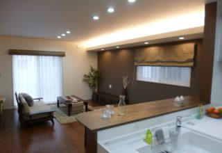 ミセス目線の家事動線と充実収納。テクノストラクチャー工法の長期優良住宅。